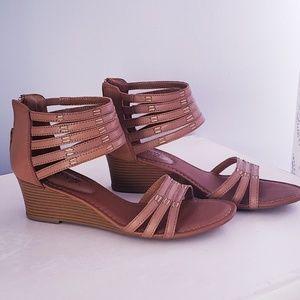 Tan Eurosoft sandals